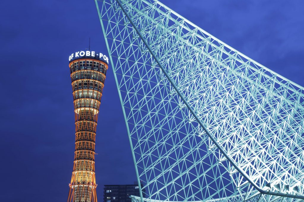 EOS 5D Mark4で撮影した作例写真 神戸ポートタワーと海洋博物館