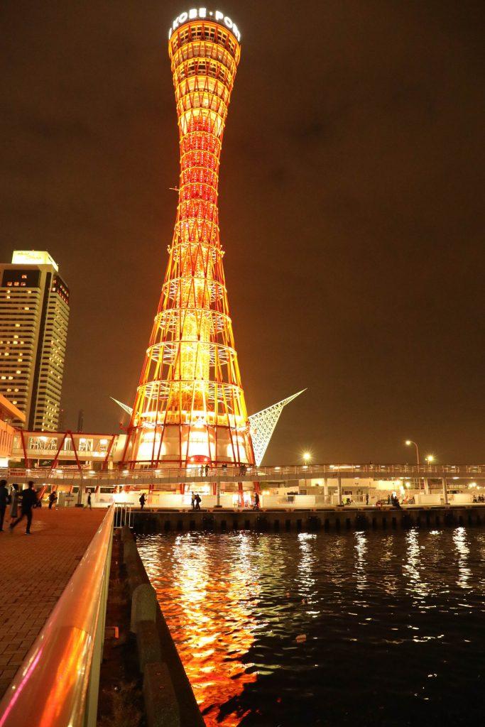 EOS 5D Mark4で撮影した作例写真 赤い塔