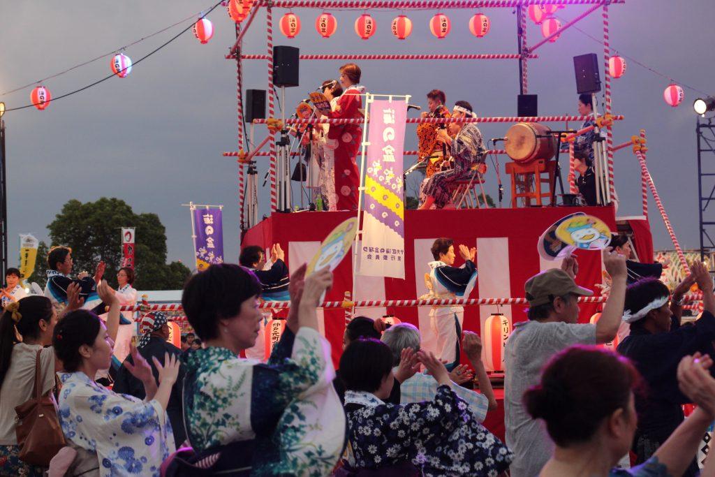 夏のお祭り 海の盆踊り