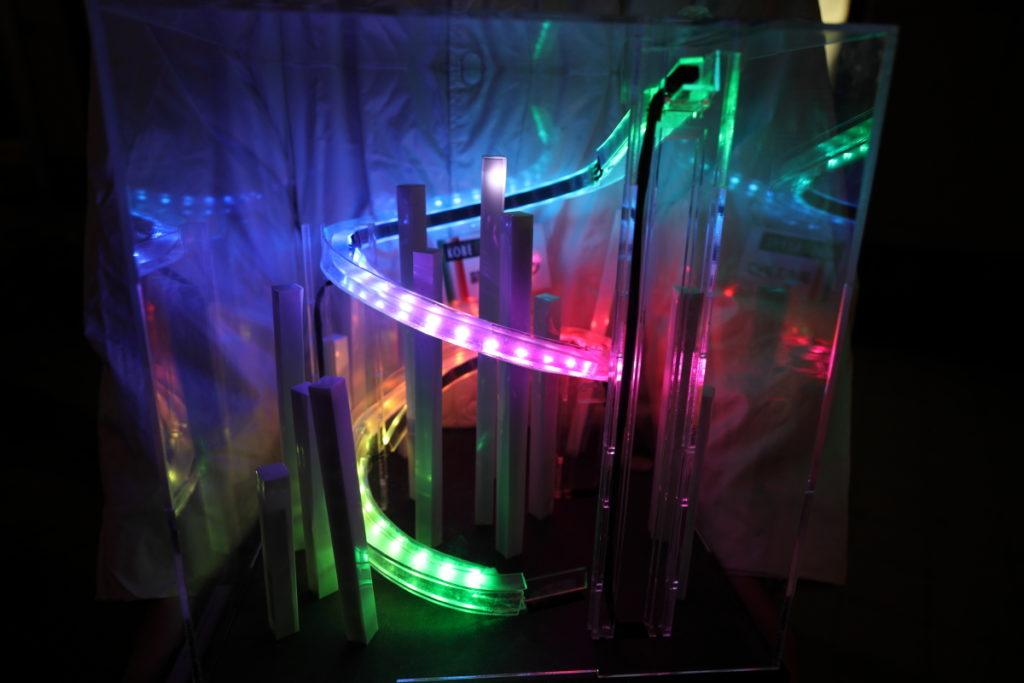 神戸ルミナリエの光る募金箱