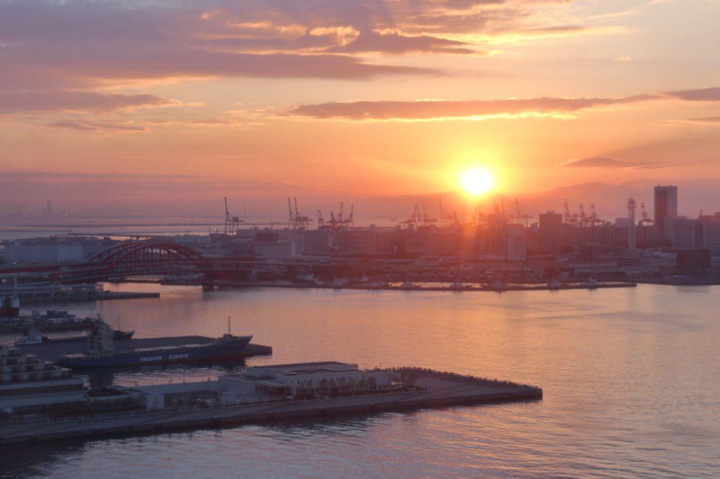 初日の出 神戸港 ポートタワーから撮影