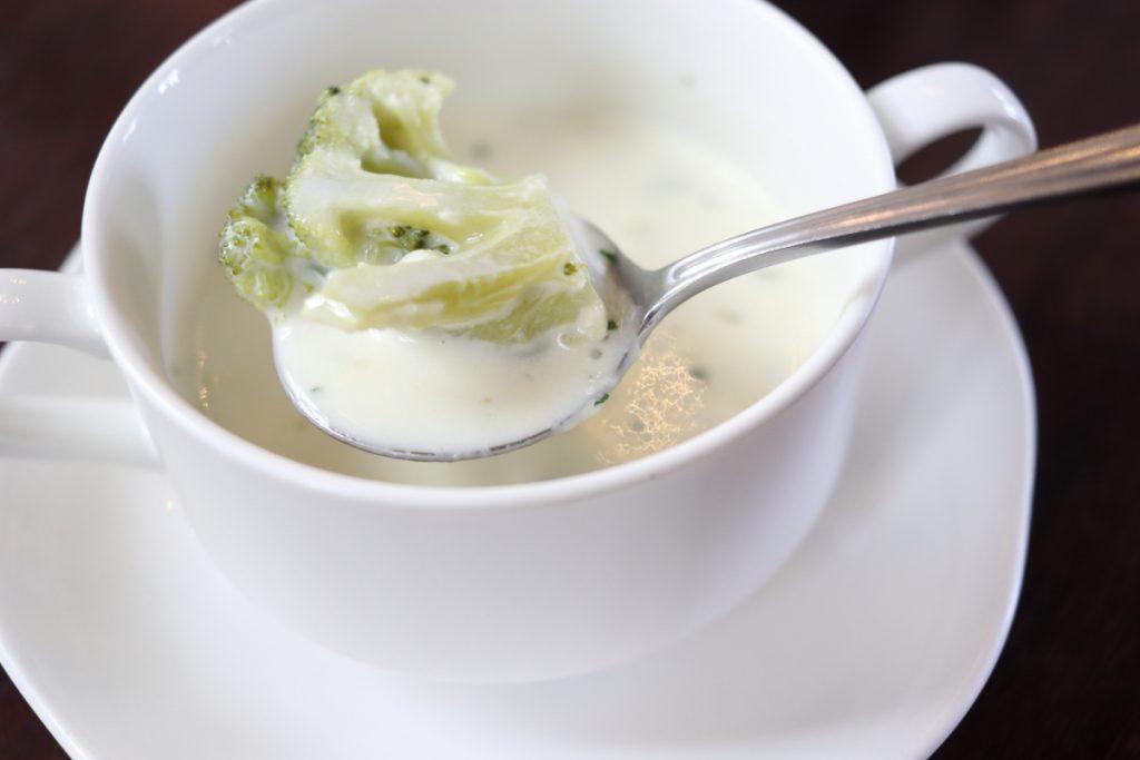 フロインドリーブ ランチセットのスープ