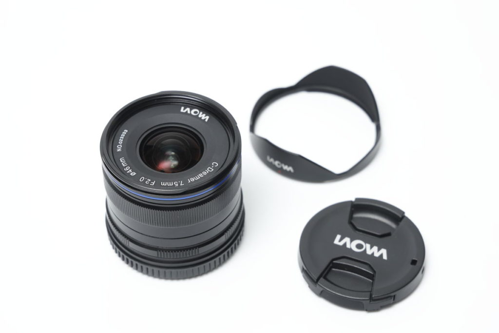 LAOWA 7.5mm F2 MFT 広角レンズ外観