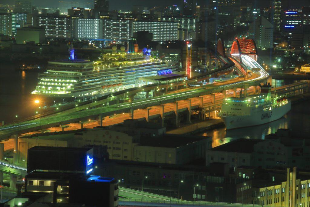 クイーンエリザベス 夜景 神戸市役所から