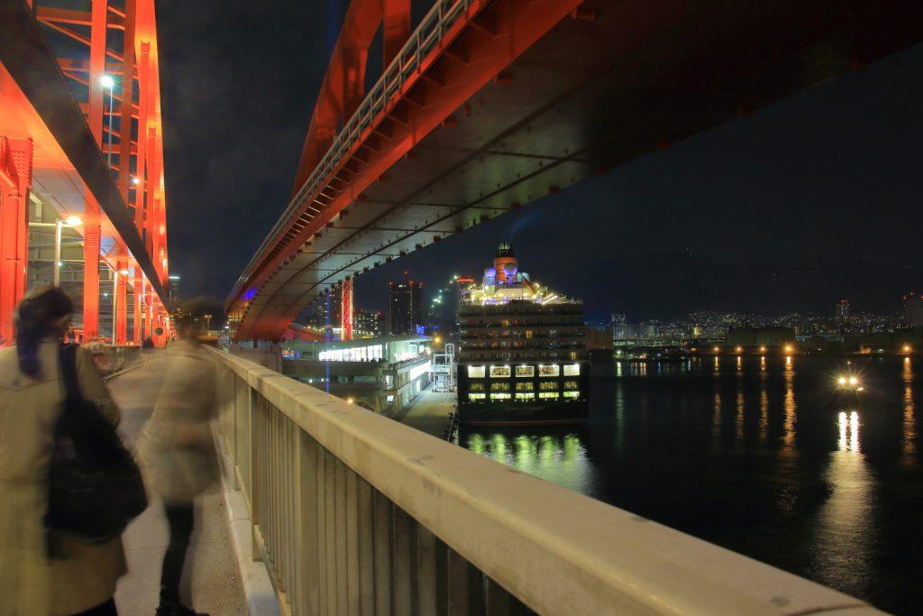 クイーンエリザベス 夜景 神戸ポートターミナル