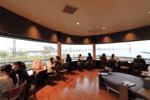 スターバックス 神戸メリケンパーク店 二階カウンター席