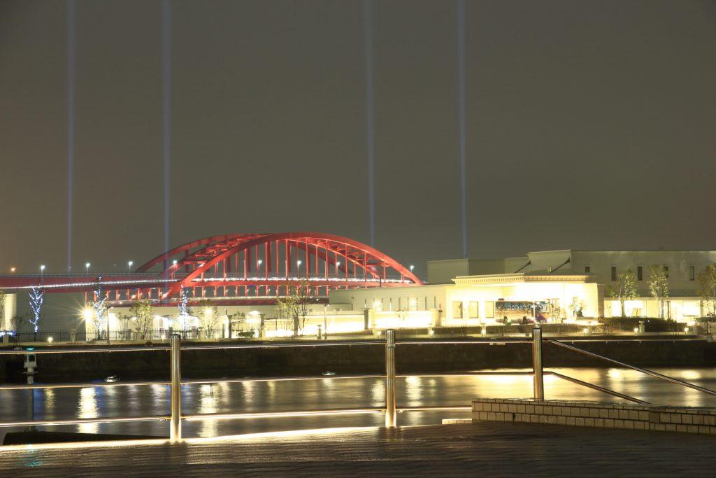 メリケンパークから見た神戸大橋