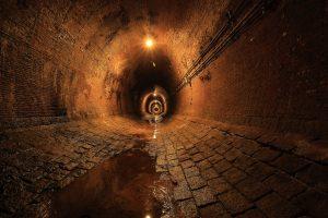 湊川隧道 超広角レンズで撮影