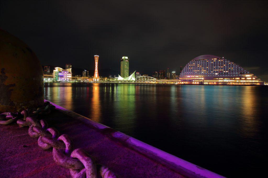 モザイクから見た海の夜景
