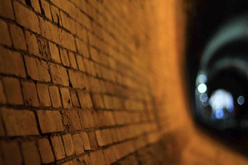 湊川隧道 レンガの壁