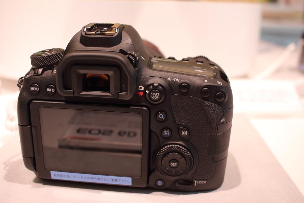 EOS 6D Mark2 背面