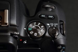 EOS Kiss X9 カメラ右上部