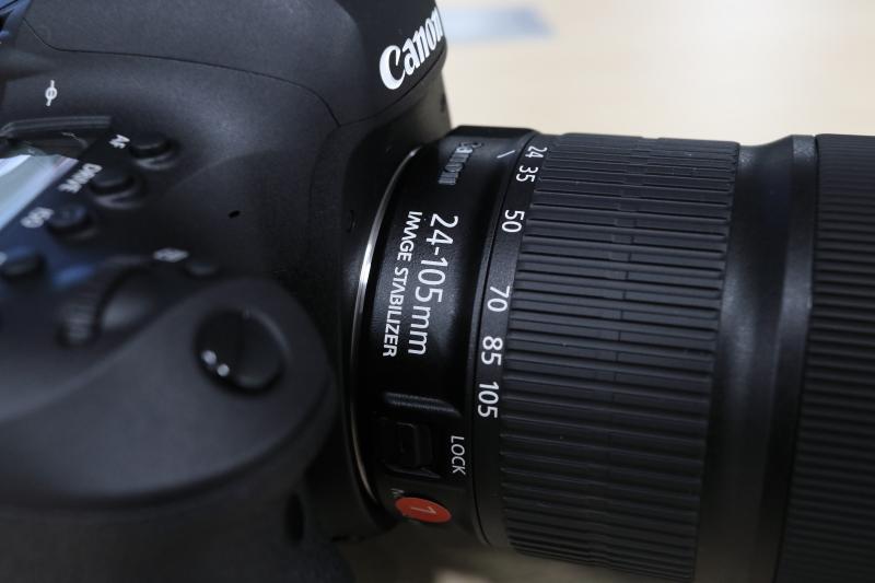 レンズは24-105mm STM