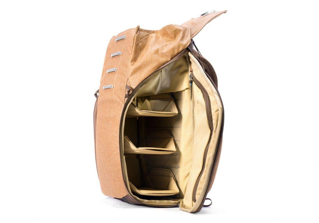 エブリデイバックパックの新色「ヘリテージタン」サイドポケット
