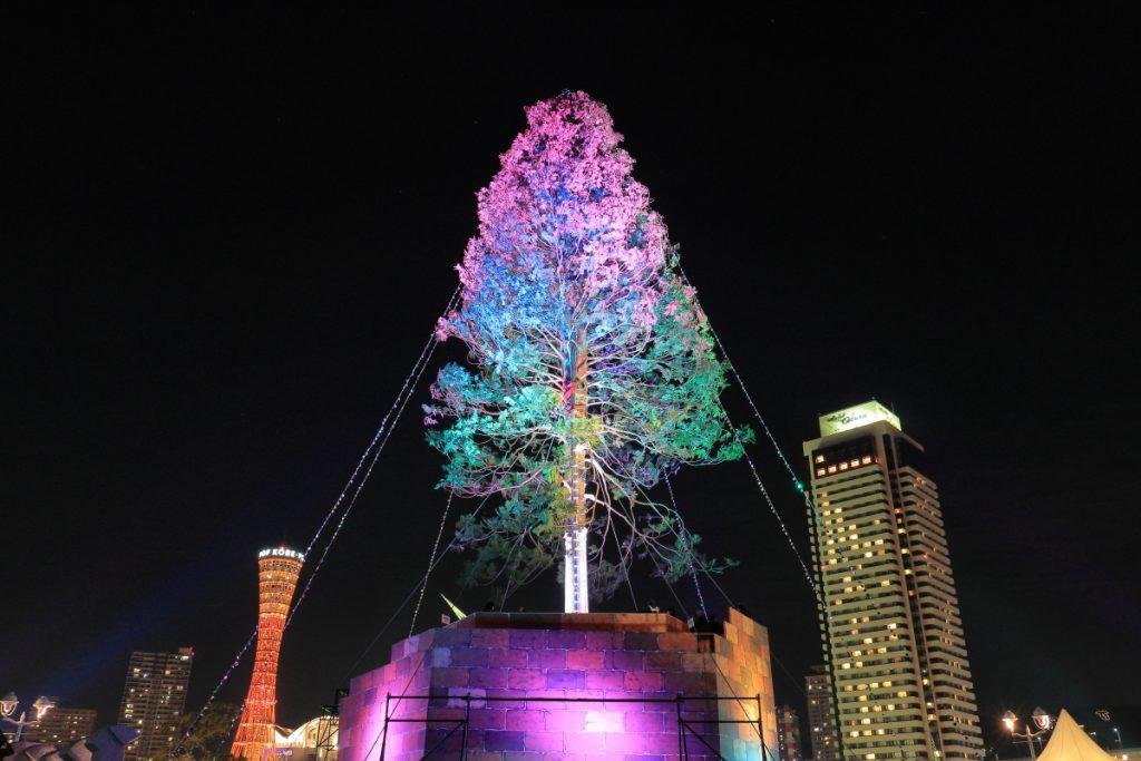 世界一のクリスマスツリー ポートタワーとホテルオークラ