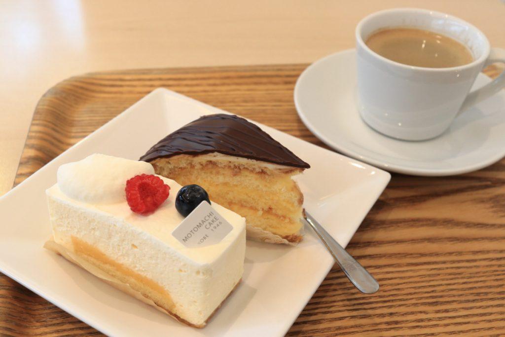 元町ケーキでケーキ二つとブレンドコーヒー