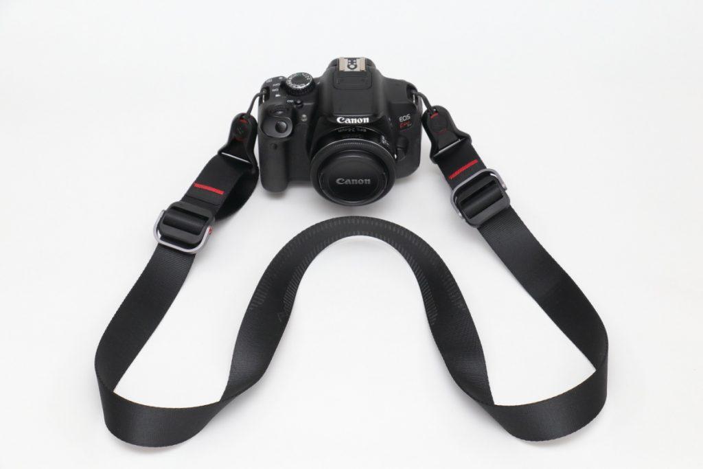 ピークデザインのカメラストラップ スライドライト