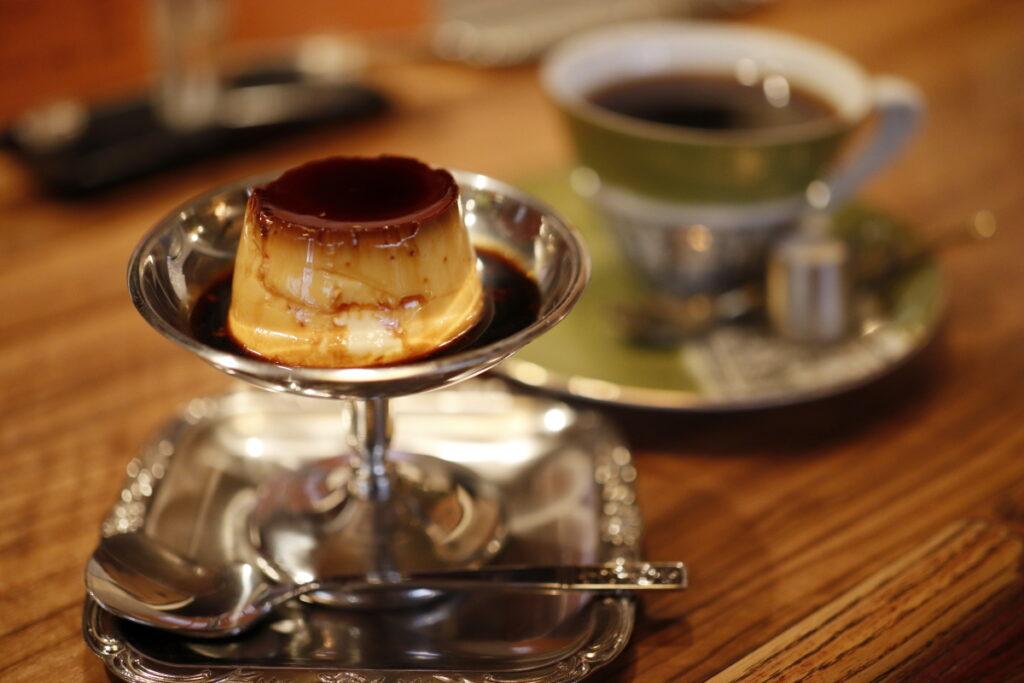 レトロな雰囲気が神戸で人気の「モトマチ喫茶」自家製のプリンとチーズケーキがおいしい!