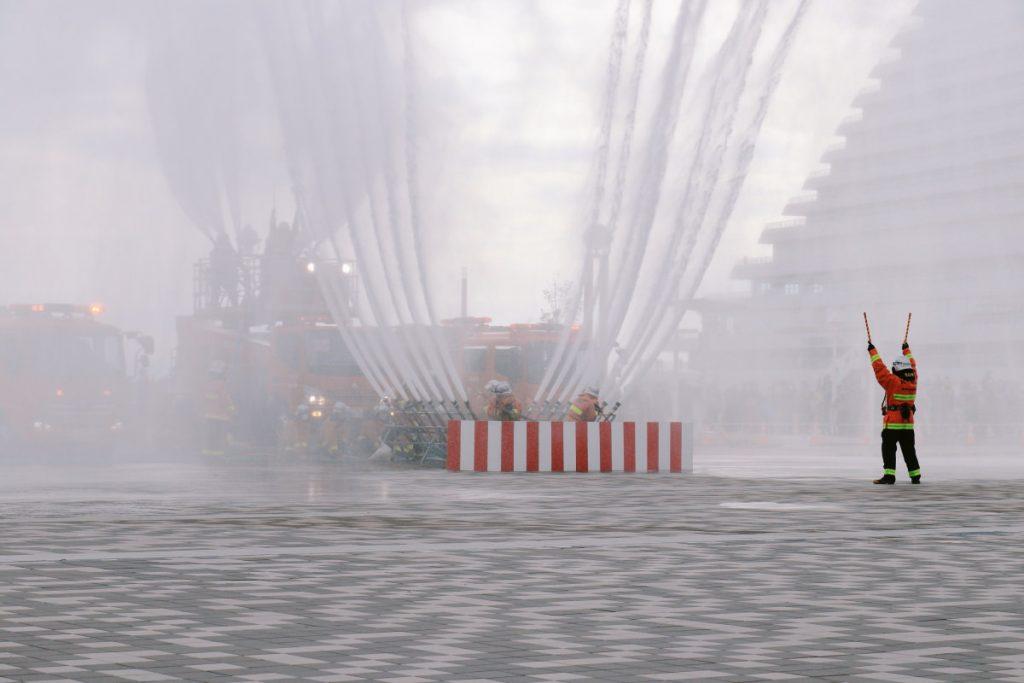 神戸市消防出初式 フェニックス放水