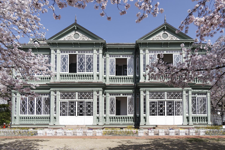 ハンター住宅と桜