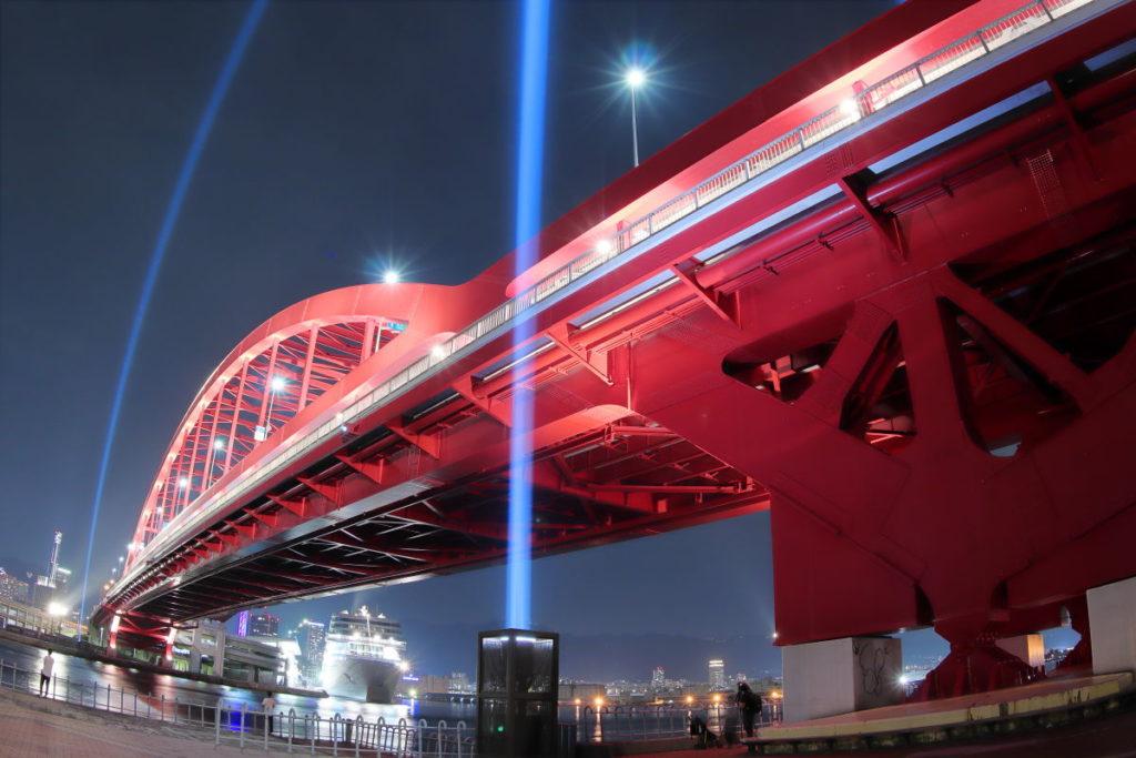 神戸大橋の夜景 ライトアップ レーザー照射