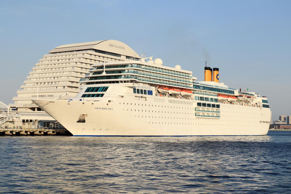 豪華客船のコスタネオロマンチカ