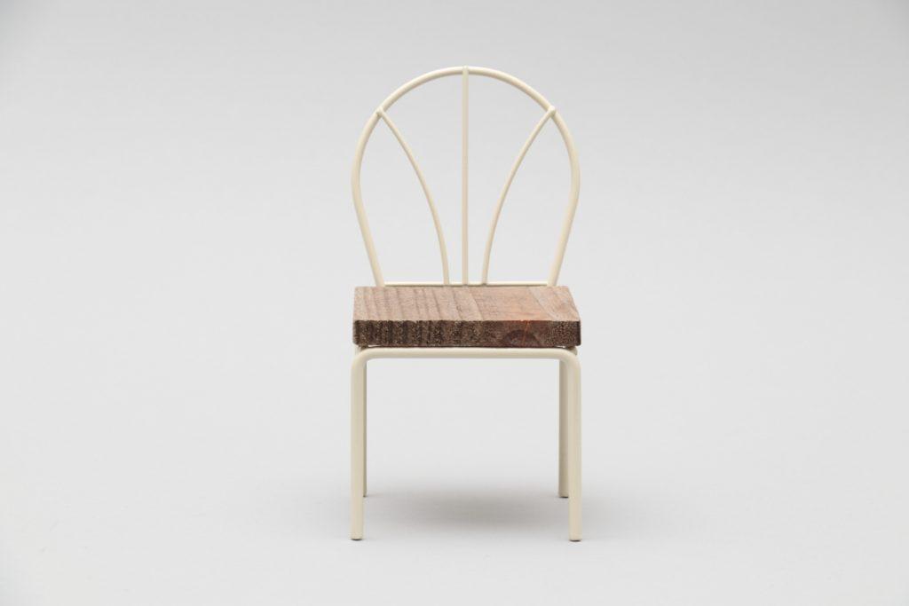 100円均一 ダイソーの椅子