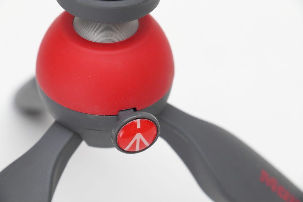 PIXIは雲台の固定がボタン式