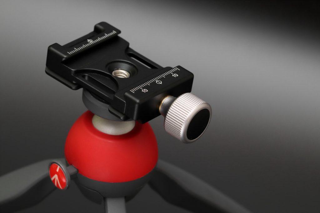 タムロン SP 90mm F2.8 Di MACRO 1:1 VC USD F004E 通称タムキューの作例写真 雲台とクランプ