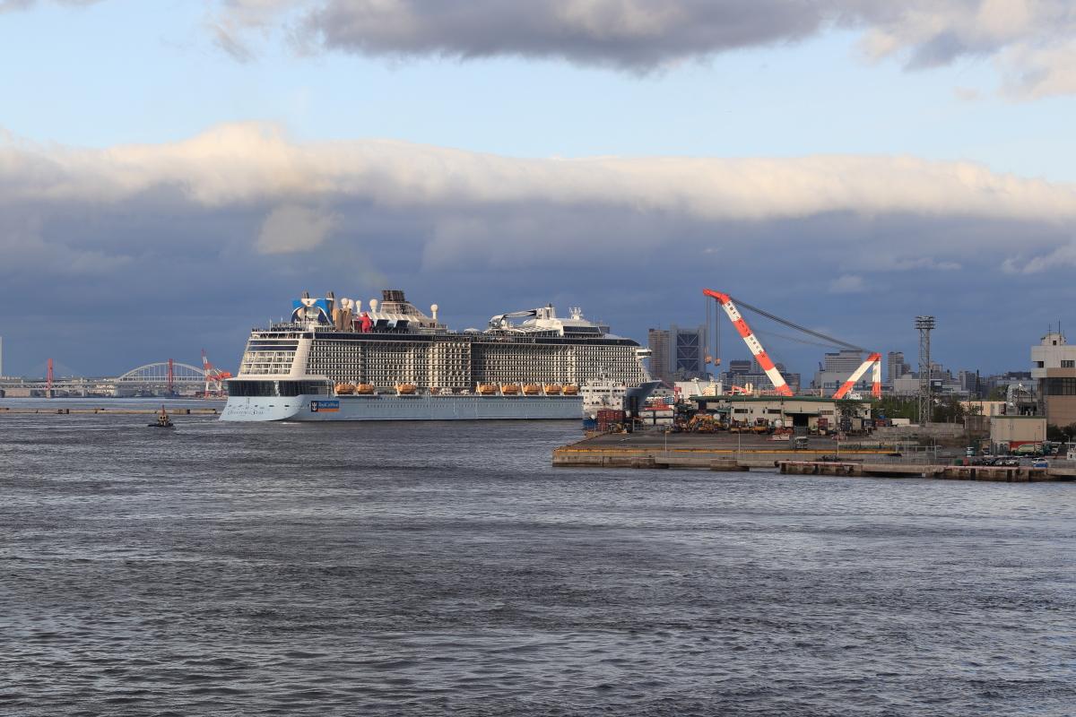 客船クァンタムオブザシーズ QUANTUM OF THE SEAS 神戸ポートターミナル