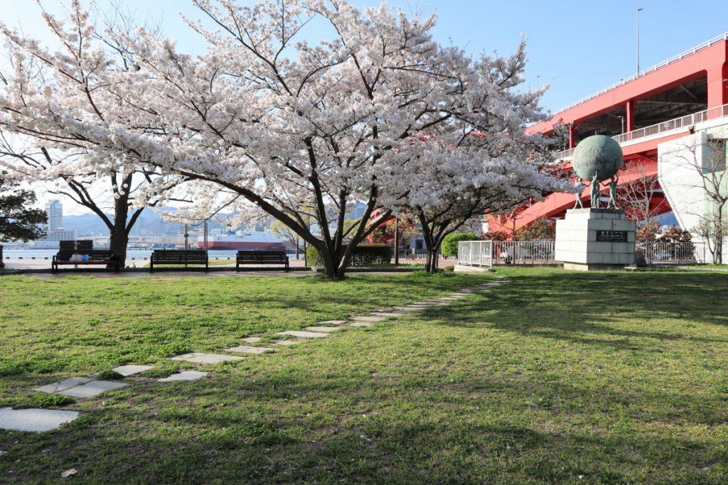 ポーアイ北公園の桜