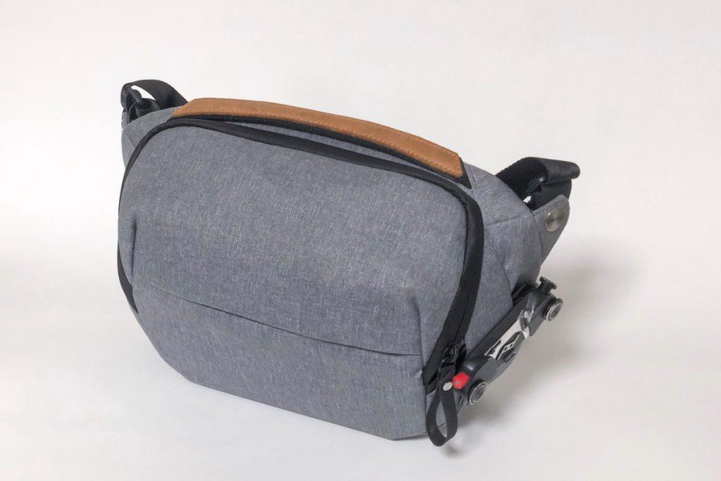 観光で持ち歩いたカメラバッグ ピークデザインのスリング5L