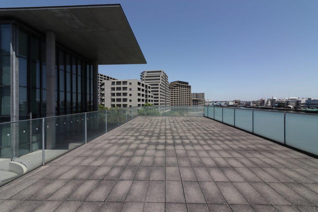 兵庫県立美術館 海のデッキ