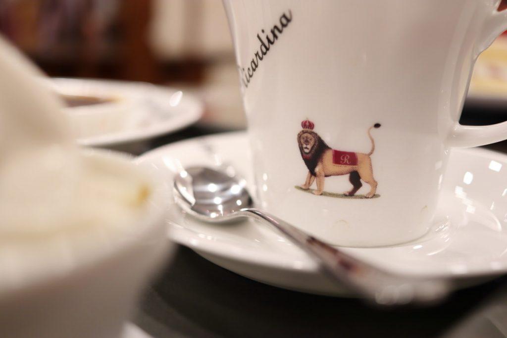 レアルプリンセサ・リカルディーナ磯上邸 コーヒーカップ