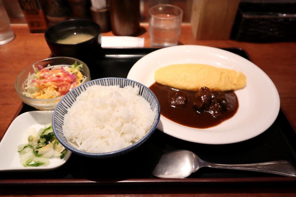 洋食ラミ Lami ランチ ビーフシチューオムレツ 864円