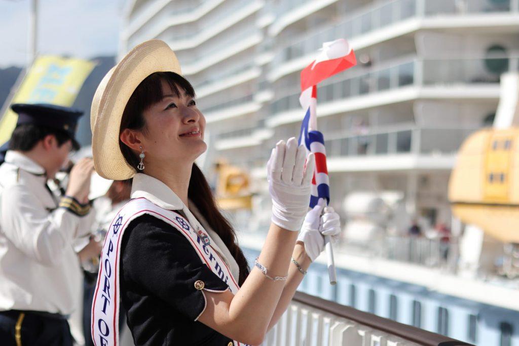 神戸ポートターミナル 客船のお見送り