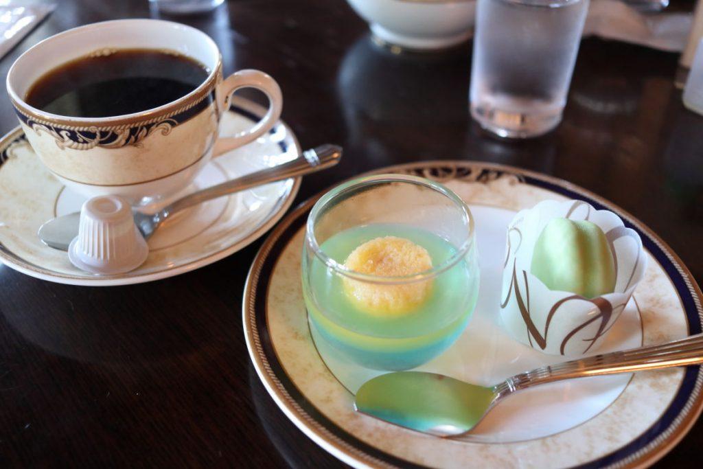 期間限定メニュー リーガロイヤルホテル京都考案 特製オリジナルスイーツ「シニャックの水辺」