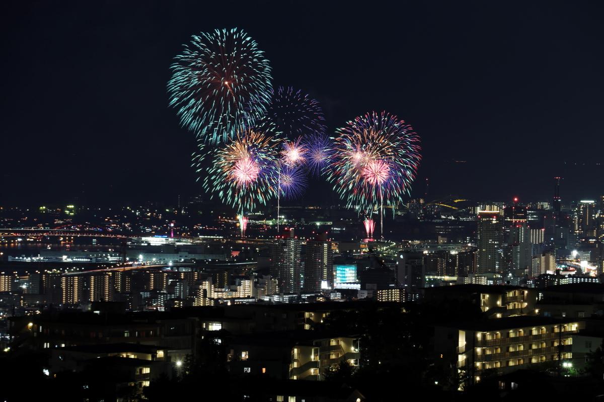 みなとこうべ海上花火大会の写真 2018年 山から撮影 神戸市東灘区