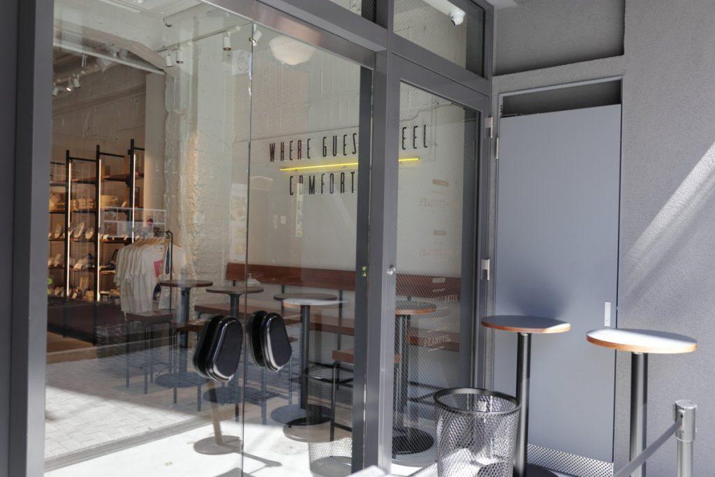 イートインの席 PEANUTS Cafe 神戸 スヌーピーカフェ