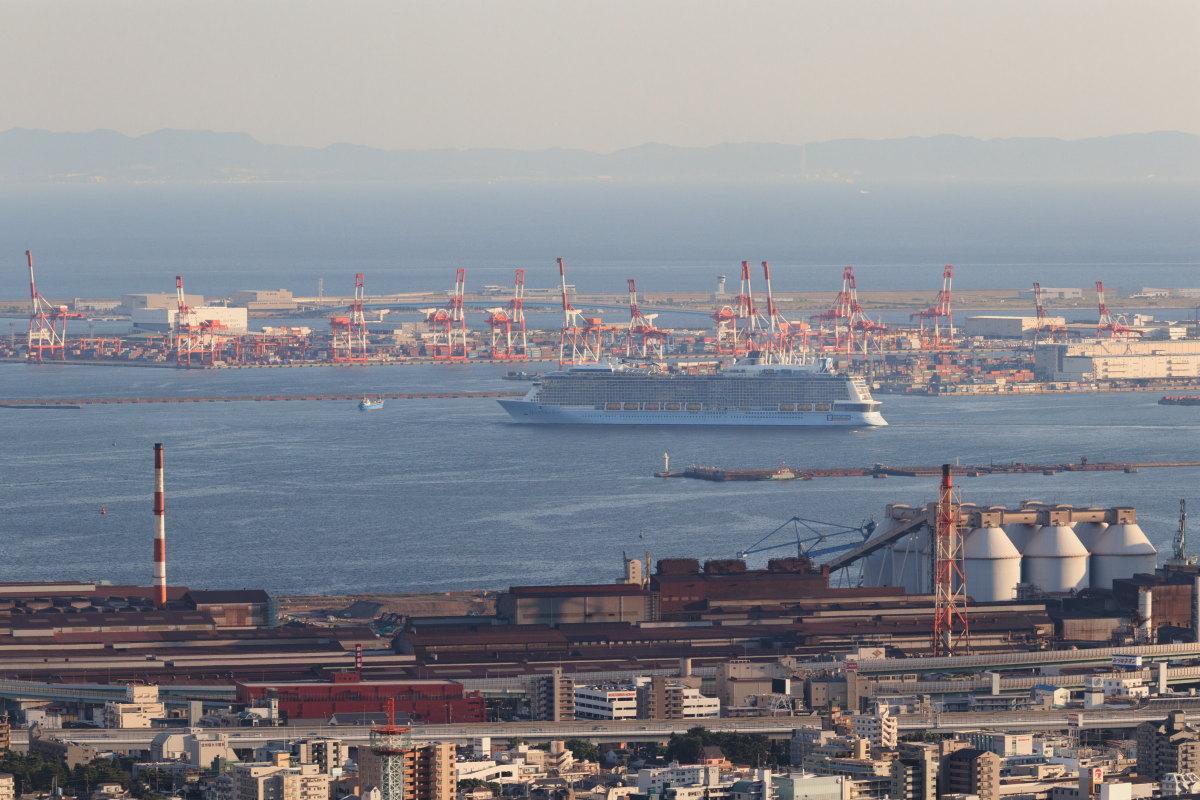 豪華客船 クァンタムオブザシーズ Quantum of the Seas 神戸ポートターミナルから出港