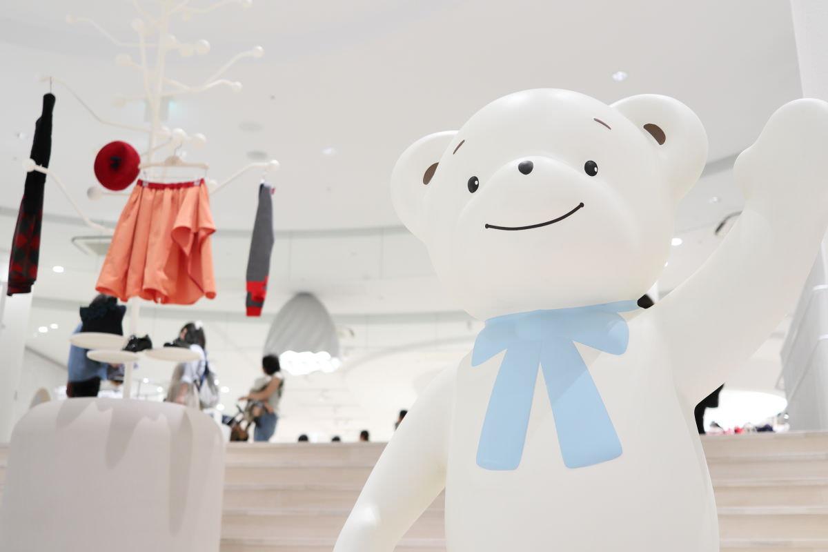 ファミリア神戸本店のエントランス ファミちゃん