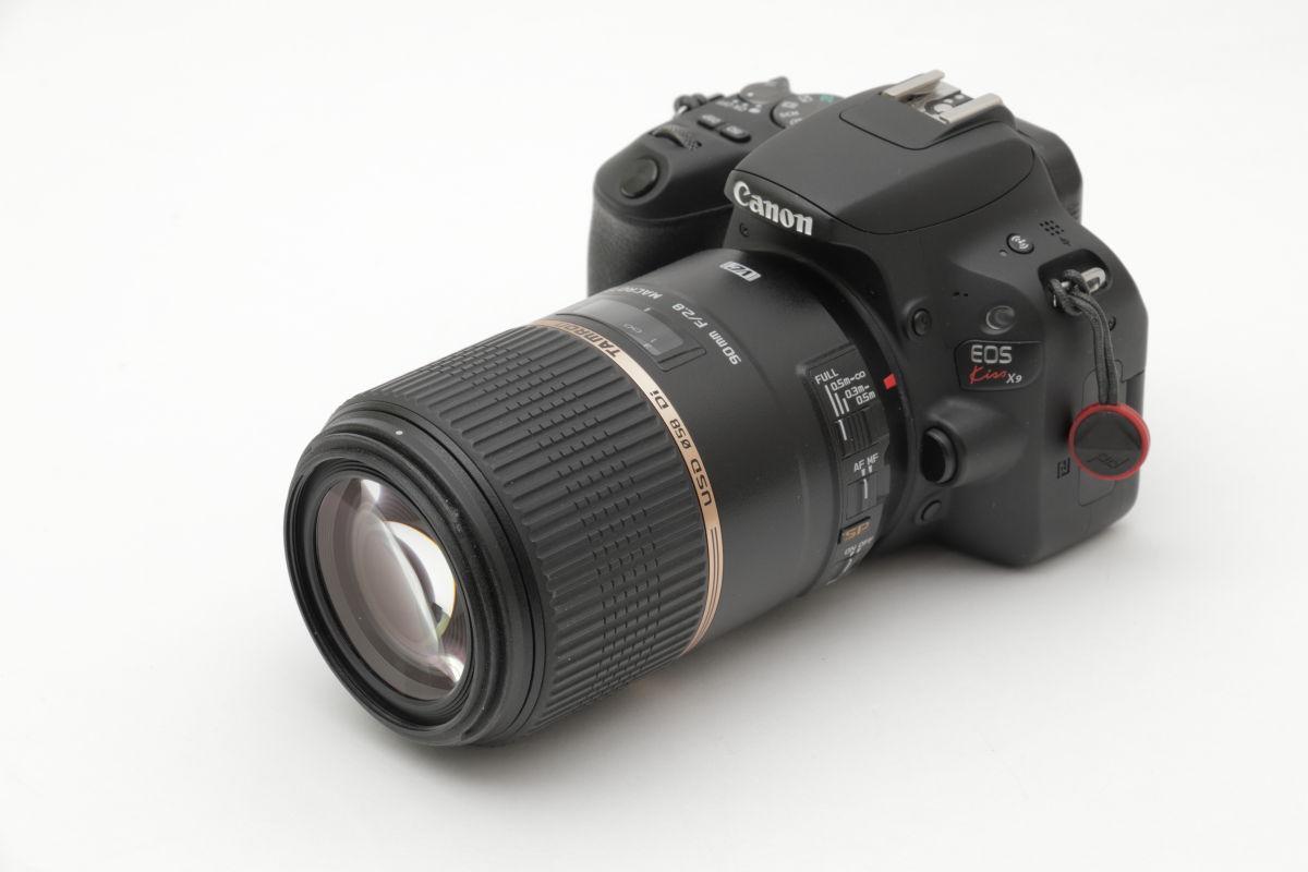 タムロン SP 90mm F2.8 Di MACRO 1:1 VC USD F004E とEOS Kiss X9の外観