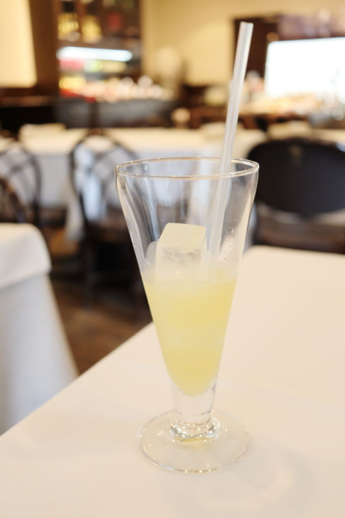 ベニマン 食前のアップルジュース
