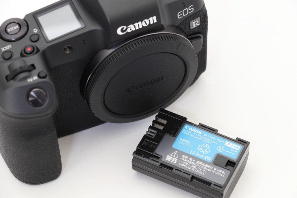 キヤノン フルサイズミラーレス一眼カメラ EOS R バッテリーはLP-E6N