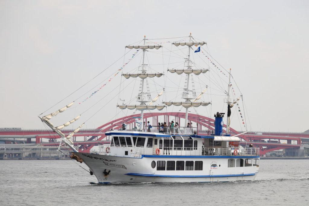 オーシャンプリンス 神戸港の遊覧船 神戸ベイクルーズ