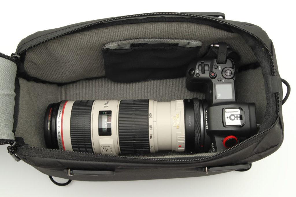 カメラキューブSのパッキング例 フルサイズカメラと望遠レンズ