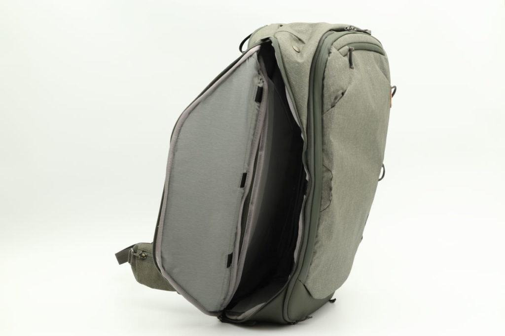 サイドポケット ピークデザインのトラベルバックパック45L