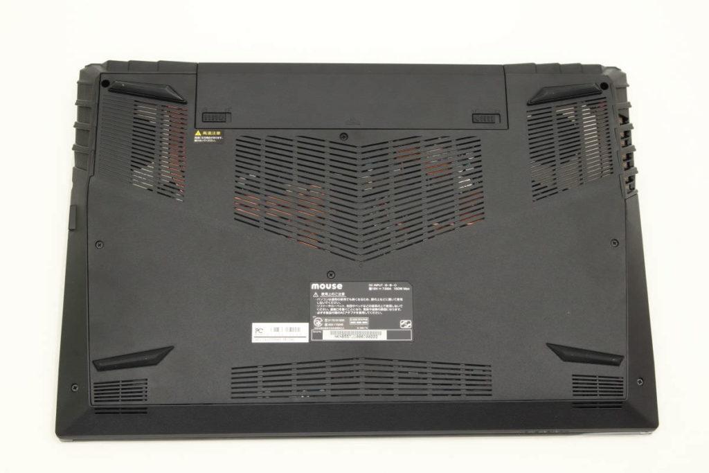 マウスコンピューター DAIV-NG5500の裏側 大きい通気口