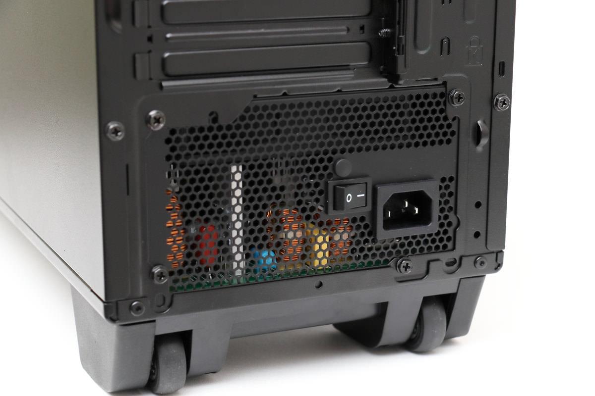 DAIV デスクトップ キャスターと電源