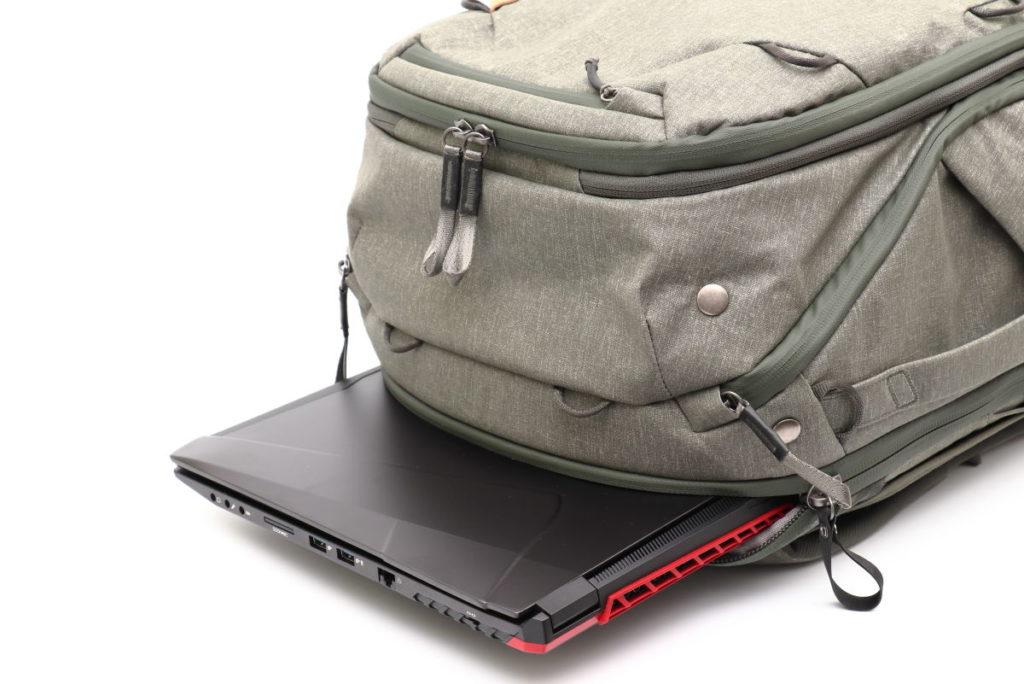 ノートパソコンDAIV NG7510とカメラバッグのピークデザイントラベルバックパック45L